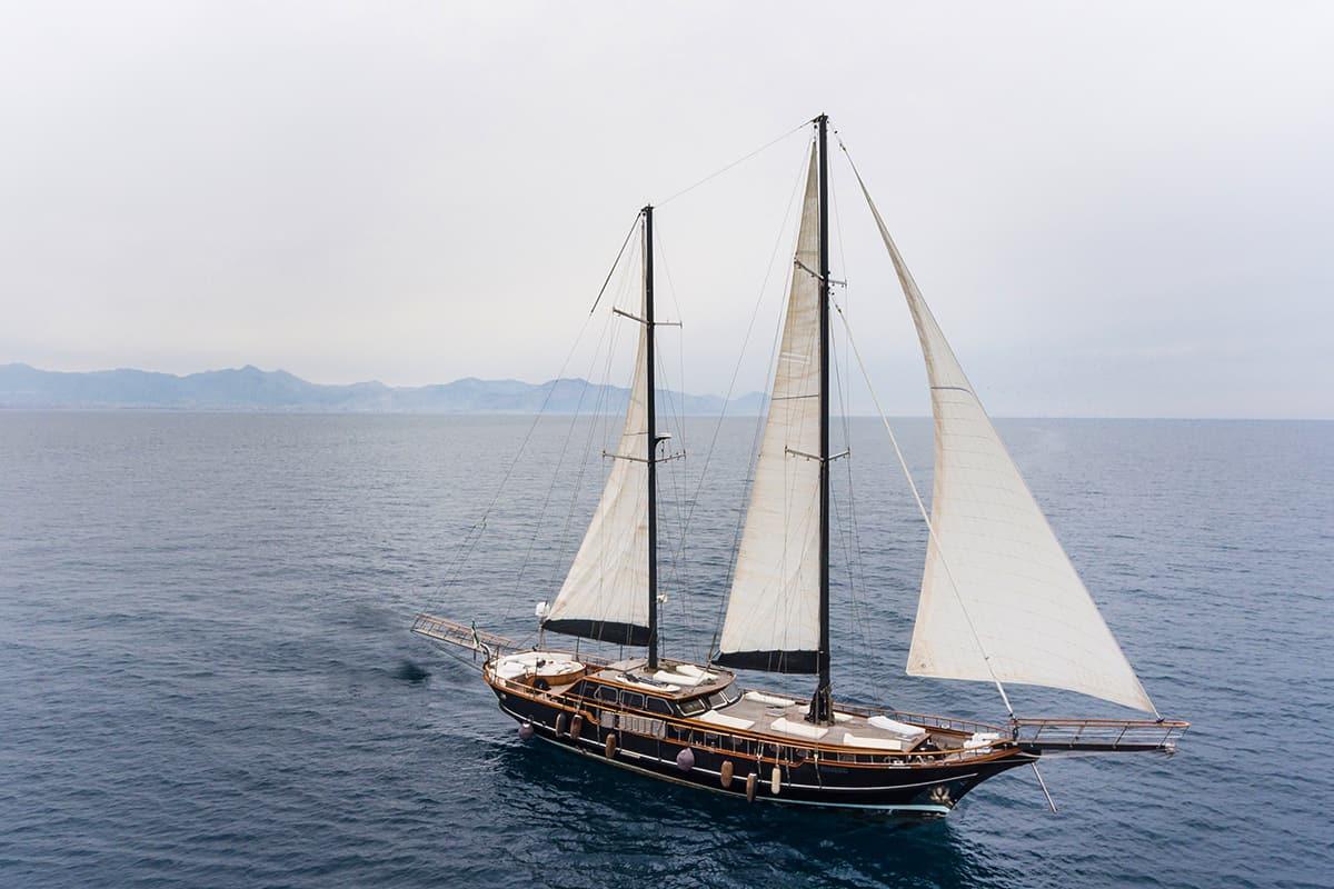 ANGELIQUE- Luxus-Gulet zum Chartern verfügbar ab Sizilien / Italien