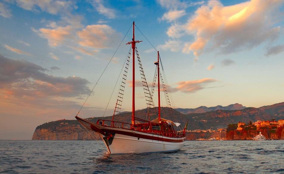 KIMERA - Luxus-Gulet zum Chartern ab La Spezia / Italien